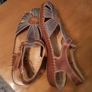 Pikolino sandals